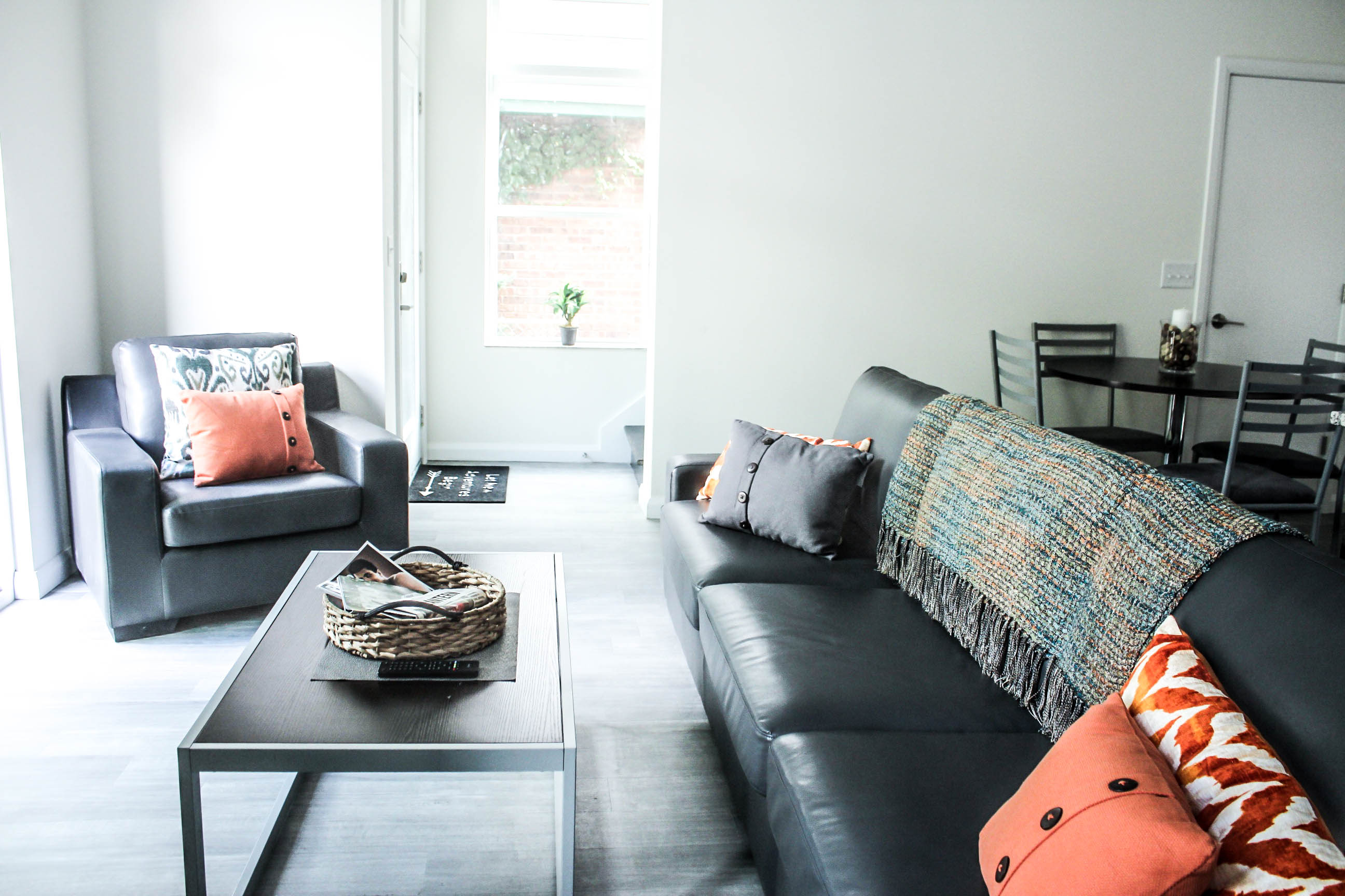 the-king-living-room-2